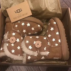 UGG Button Starlight- Size 6- Excellent Condition